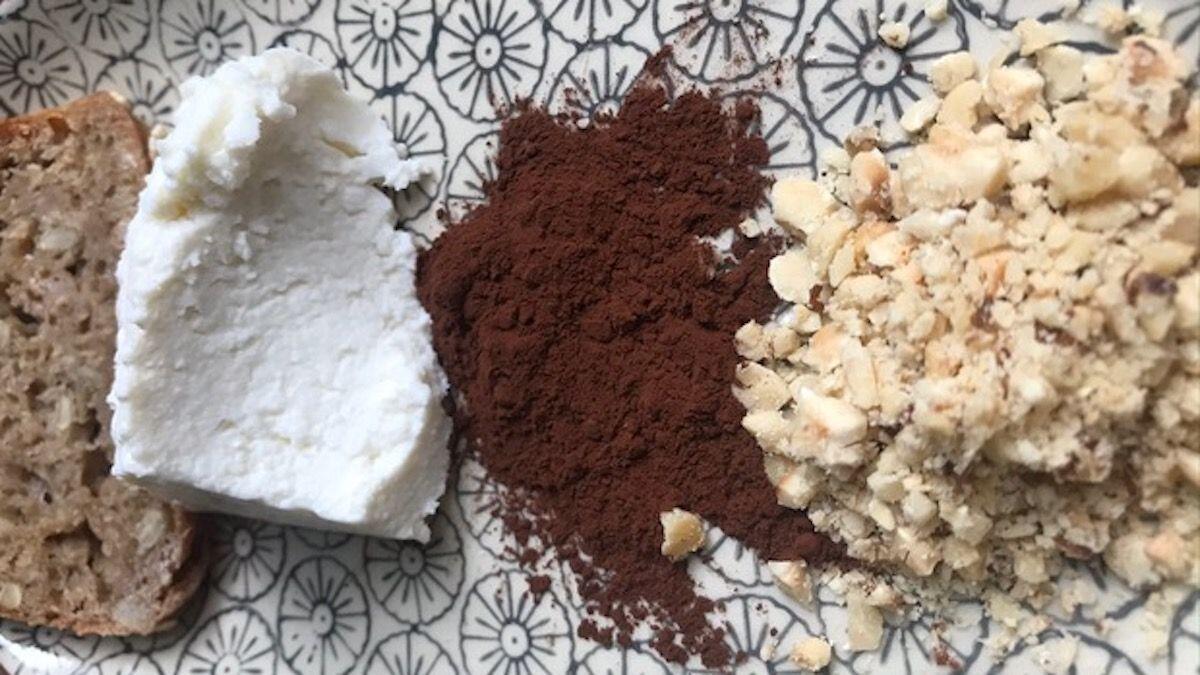 Pane, ricotta e cacao per fare una crema spalmabile, composizione della Nutrizionista Dott.ssa Paola Proietti Cesaretti by thewealthyspoon