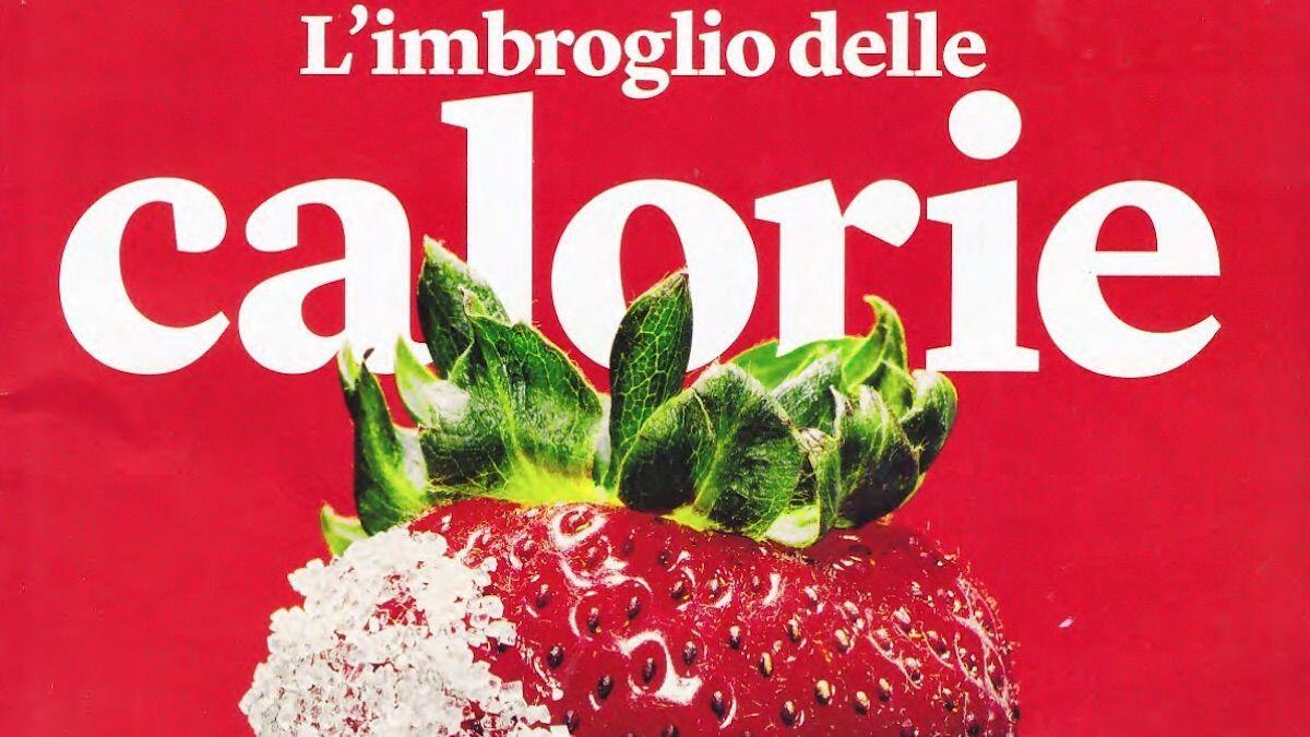 La copertina della rivista Internazionale mostra una fragola parzialmente congelata by thewealthyspoon
